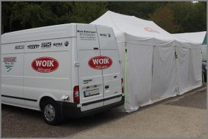 woik-motorsport-zelt-mit-transporter